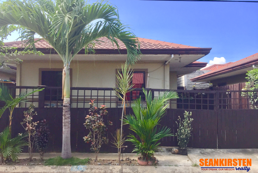 Bungalow House For Sale in Bellevue Subdivision