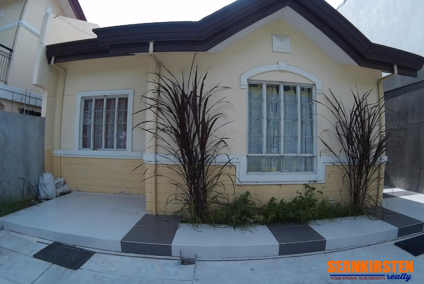 2 Bedroom Bungalow House in Golden Glow North