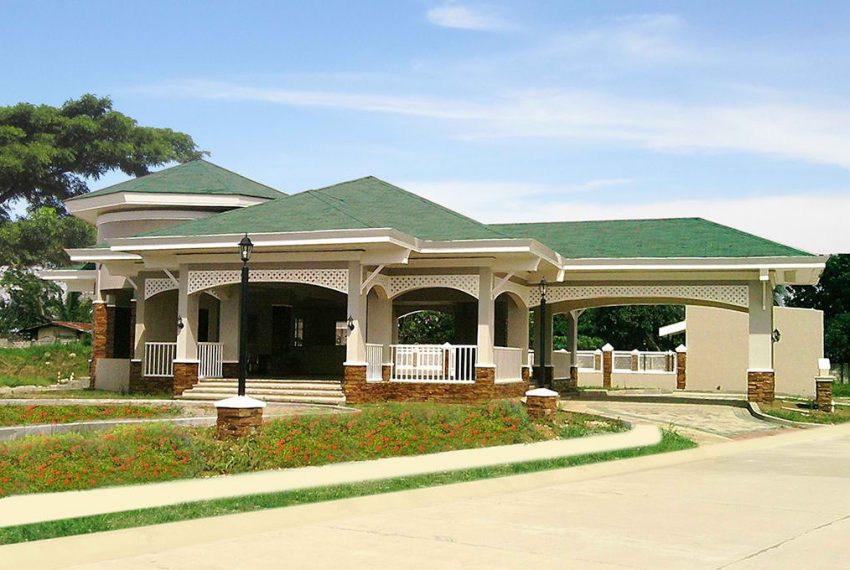 Fresno-Parkview-Central-Clubhouse