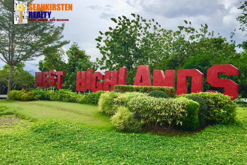 2_entrance_west_highlands