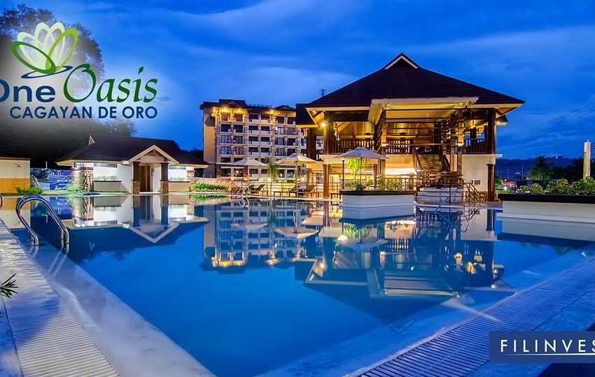 One-Oasis-CDO-night-view-pool-actual-02