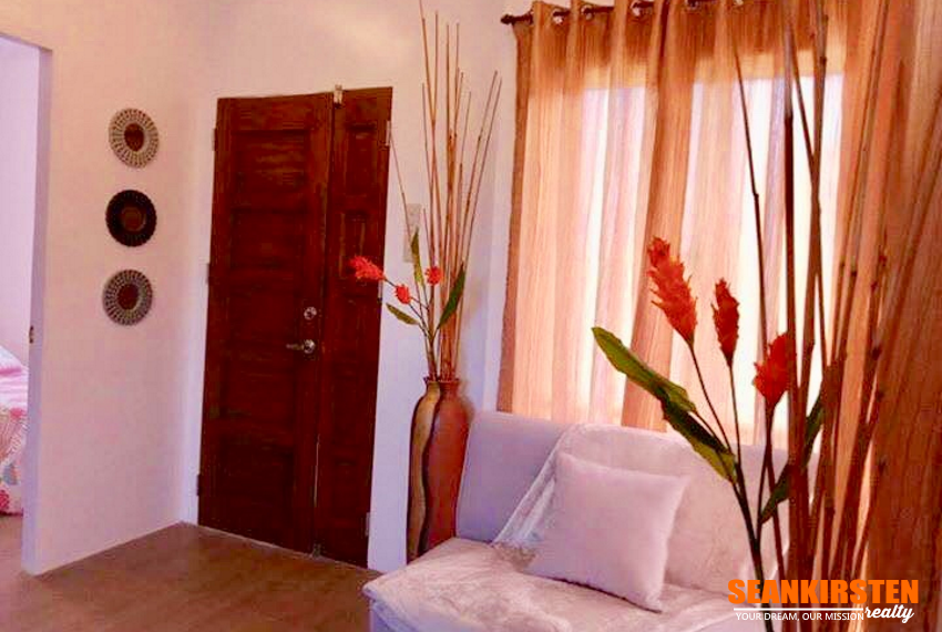 4-receiving-adelaida-residences-seankirsten