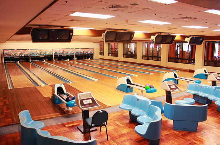 seankirsten-xavier-estates-bowling